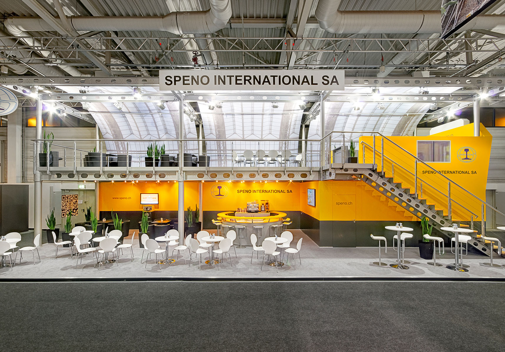 Speno international Messestand in Berlin von Blickfang Messebau - Frontalansicht
