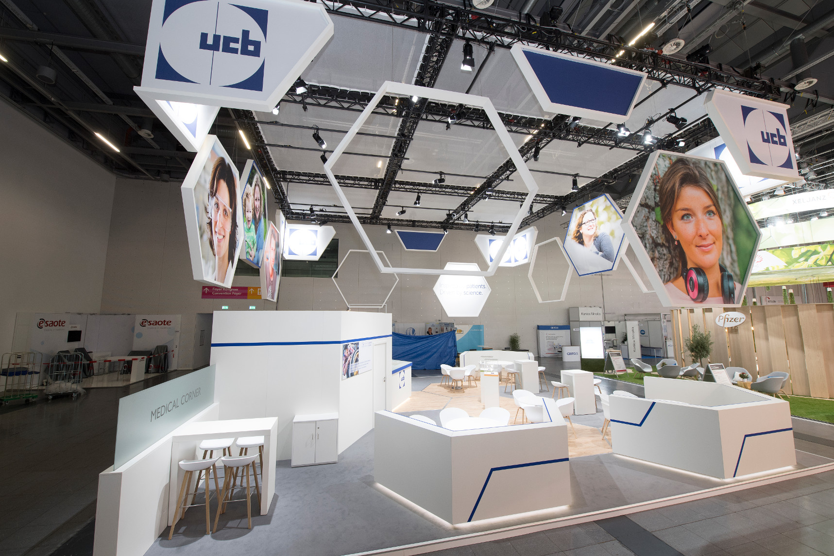 UCB DGRh Messestand 4